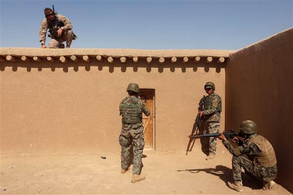 170807-marine-afghanistan-se-512p_f45144452f90e50cabef13b064f6ee27.nbcnews-ux-600-480