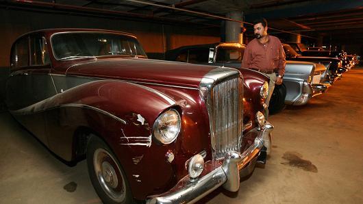 104949730-Iraq_classic_cars_.530x298
