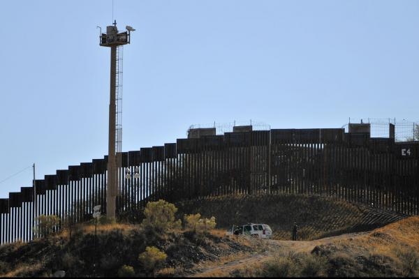 US-Border-Patrol-accused-of-destroying-water-left-for-migrants