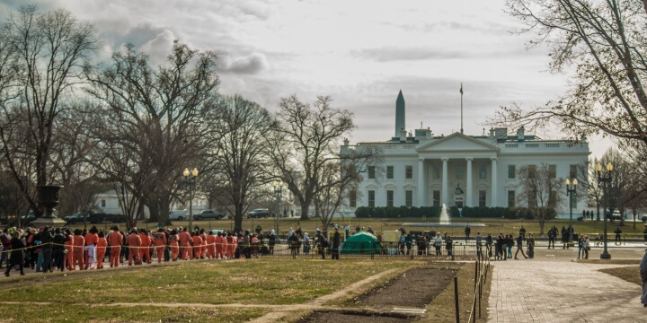 WAT_protestors_approach_White_House