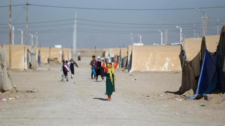 Displaced-Iraqi-people-are-seen-at-Amriyat-al-Fallujah-camp-in-Anbar-Province