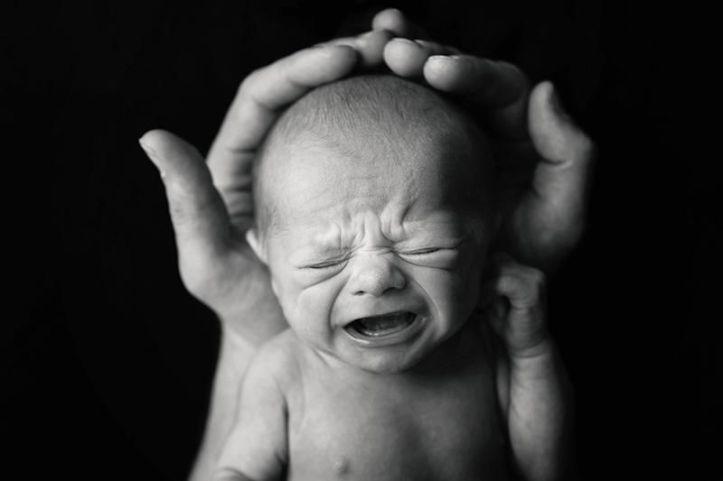 newborn_crying